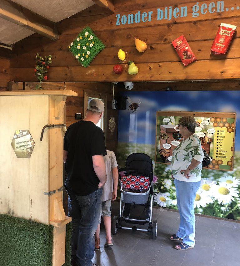 Bijenkast - NME-Centrum en Kinderboerderij De Elzenhoek