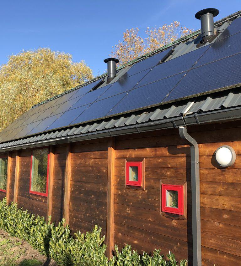 Duurzame zonnepanelen - NME-Centrum en Kinderboerderij De Elzenhoek